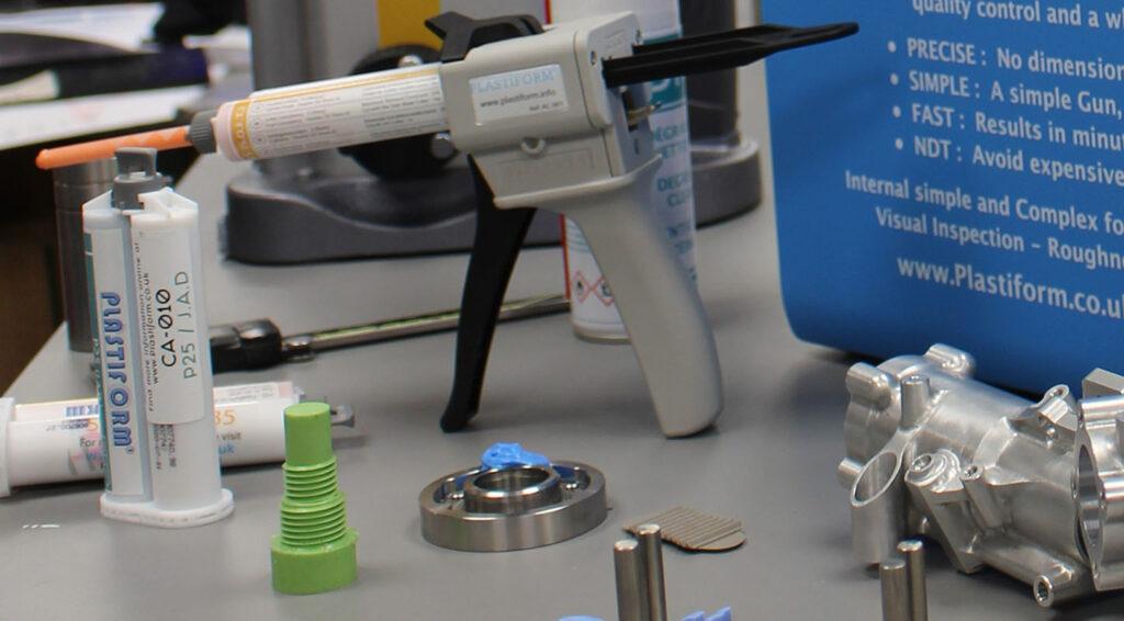 plastiform applicator gun